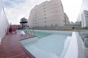 Hotel en Buenos aires con piscina y sala fitness