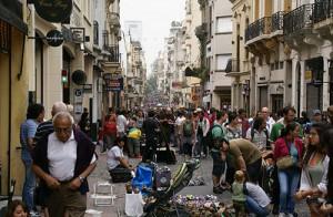 mercadillo en el barrio de San Telmo en Buenos Aires